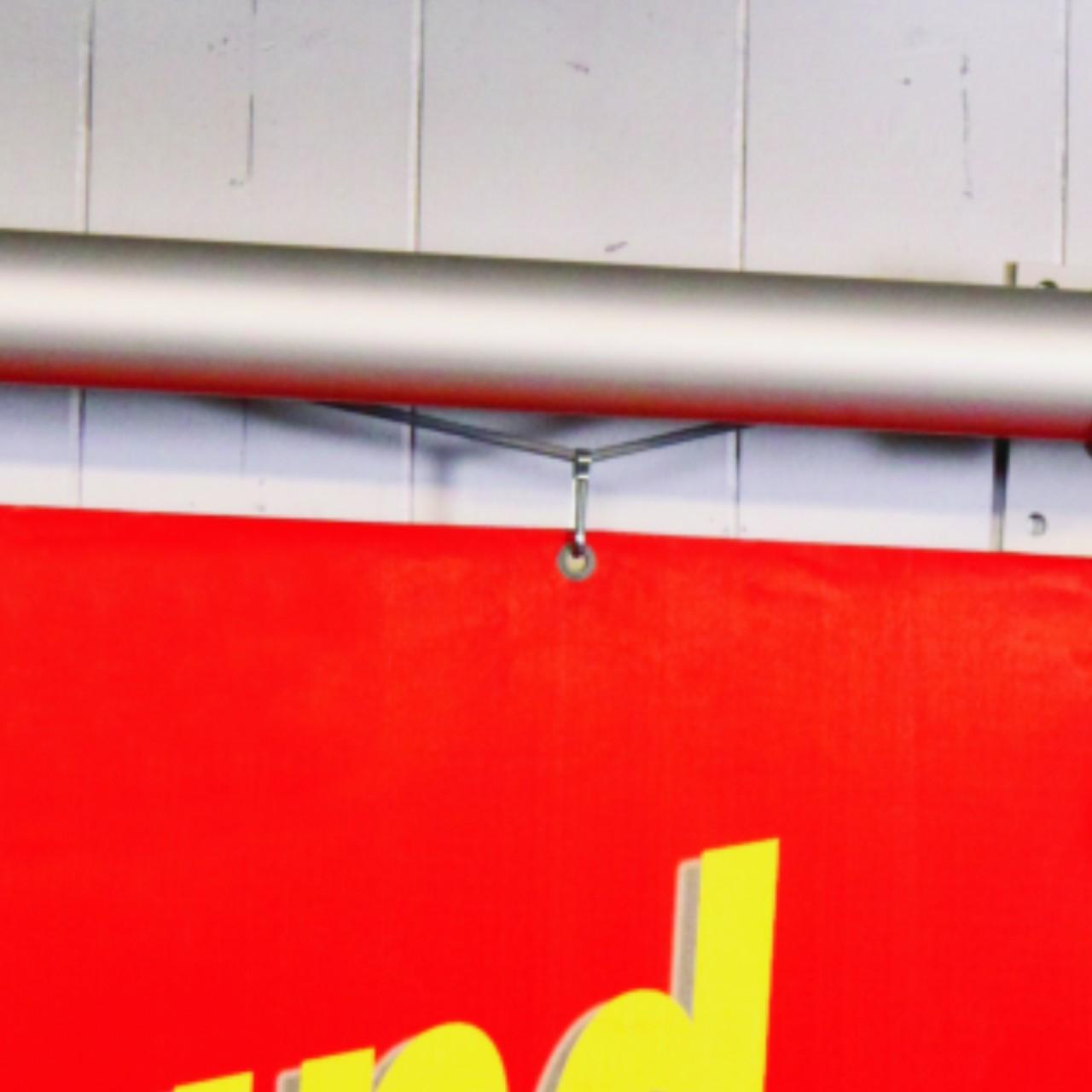 Drag&Drop Rohr mit Seil und Befestigung für Planen